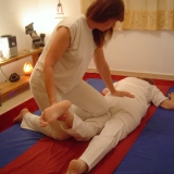 אפרת לוינשטיין - טיפול בכאבי גב וכאבי ראש ביהוד