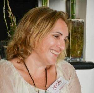 שרונה סופר - מטפלת ומורה לאקסס בארס. טיפול בחרדות בתל אביב